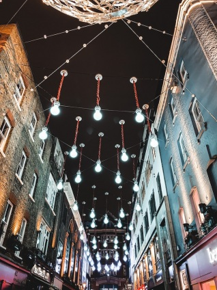 londres-fetes-noel-nouvel-an-illuminations-carnaby-street-1