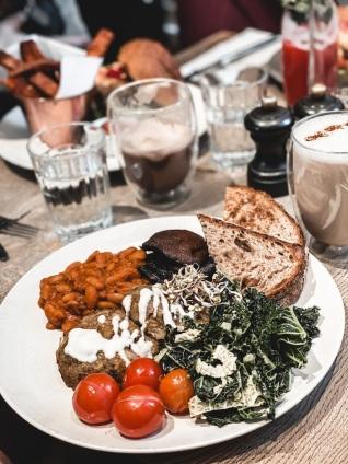 meilleures-adresses-londoniennes-vegan-farmacy-lunch-londres