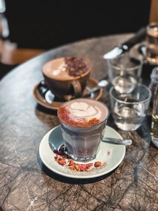 meilleures-adresses-londoniennes-half-cup-purple-latte-londres