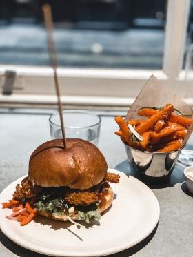 meilleures-adresses-londoniennes-mildreds-soho-burger-londres