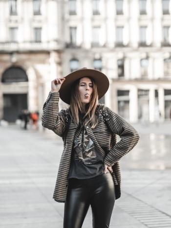 idee-look-veste-chemise-carreaux-sandro-blogmode-ByOpaline-Lyon-4