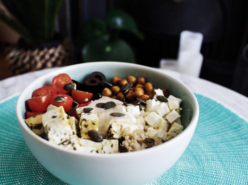 quinoa-bowl-mediterraneen-5
