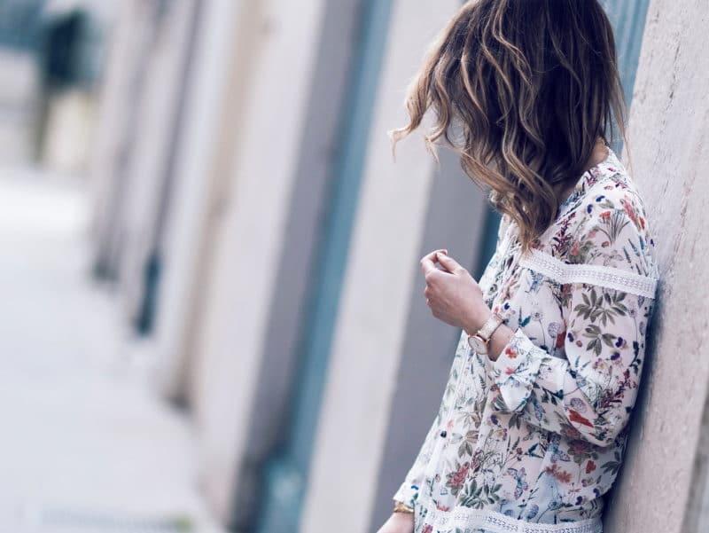 blouse fleurie lace up dentelle baskets espadrilles