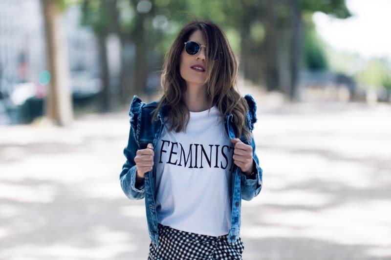 tee shirt feminist jupe vichy