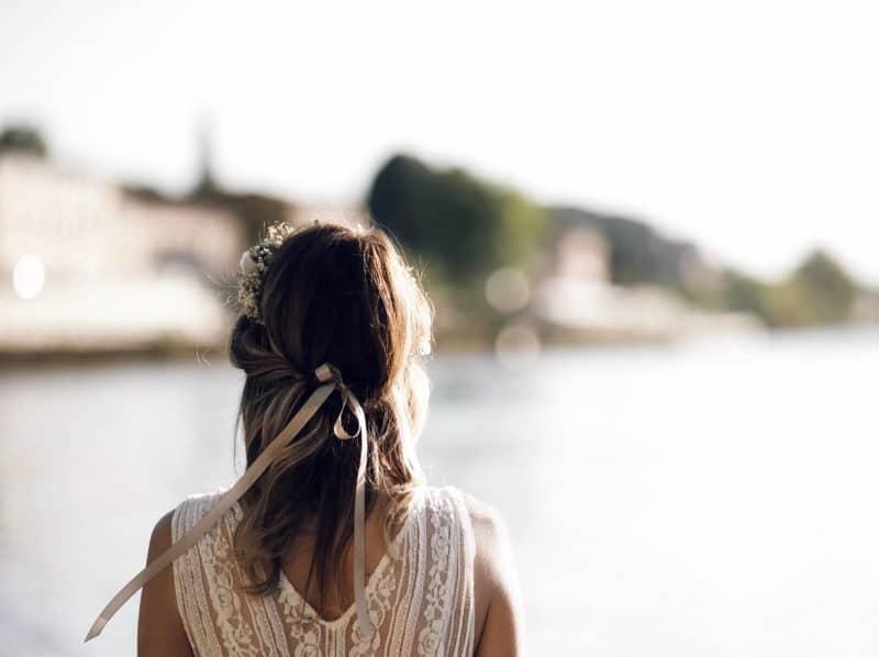 couronne de fleurs robe dentelle dos