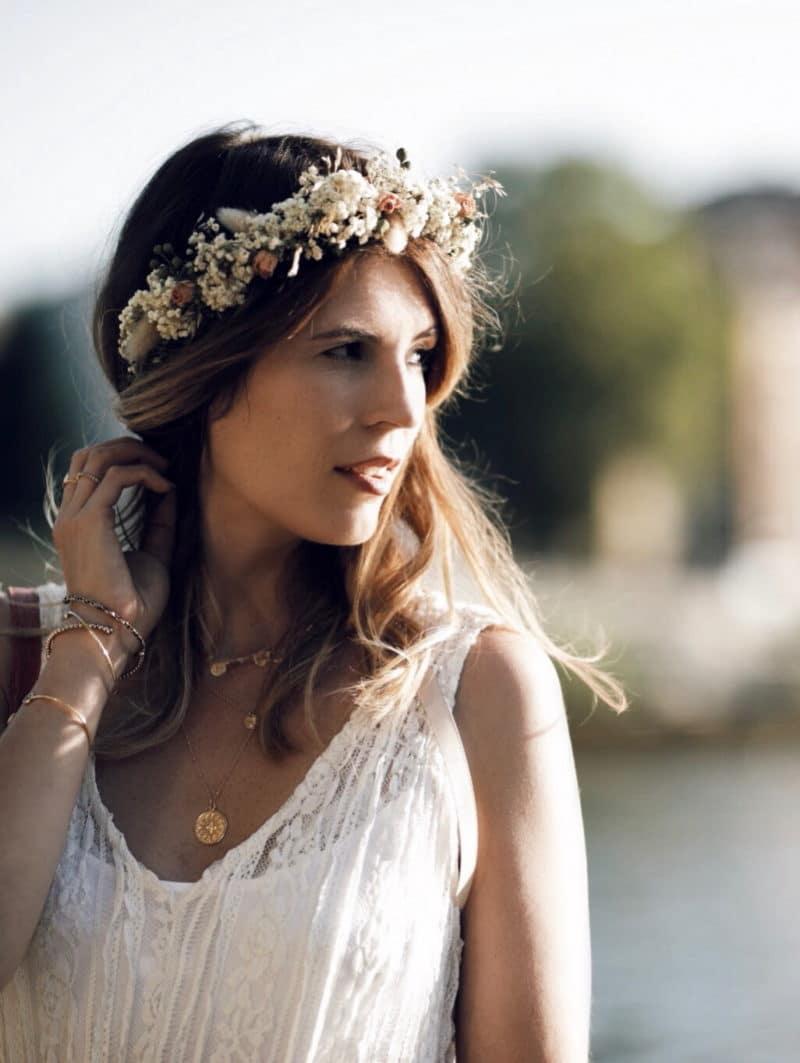 couronne de fleurs robe dentelle portrait profil