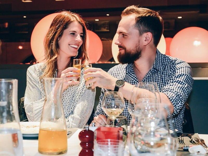 soirée grohe blue home restaurant couple