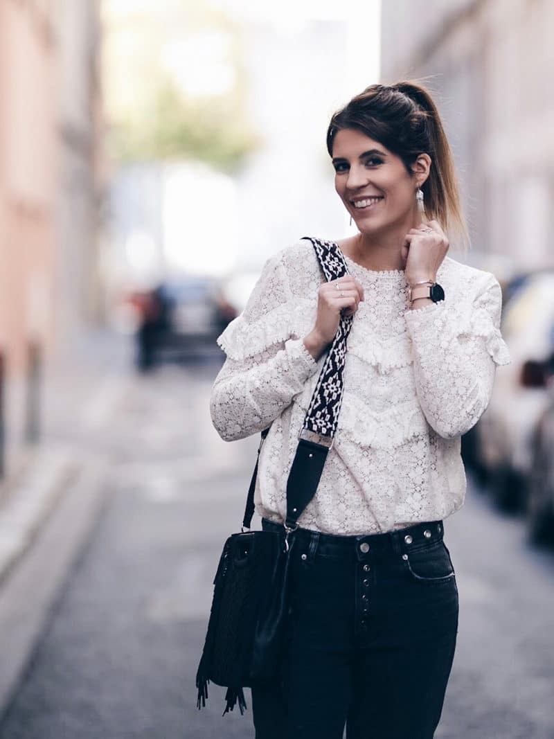 Look jean oeillets Zara blouse Ninon Sézane sac M Maje smile