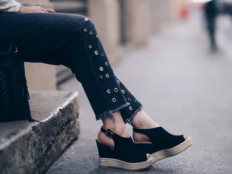 Look jean oeillets Zara blouse Ninon Sézane sac M Maje chaussures