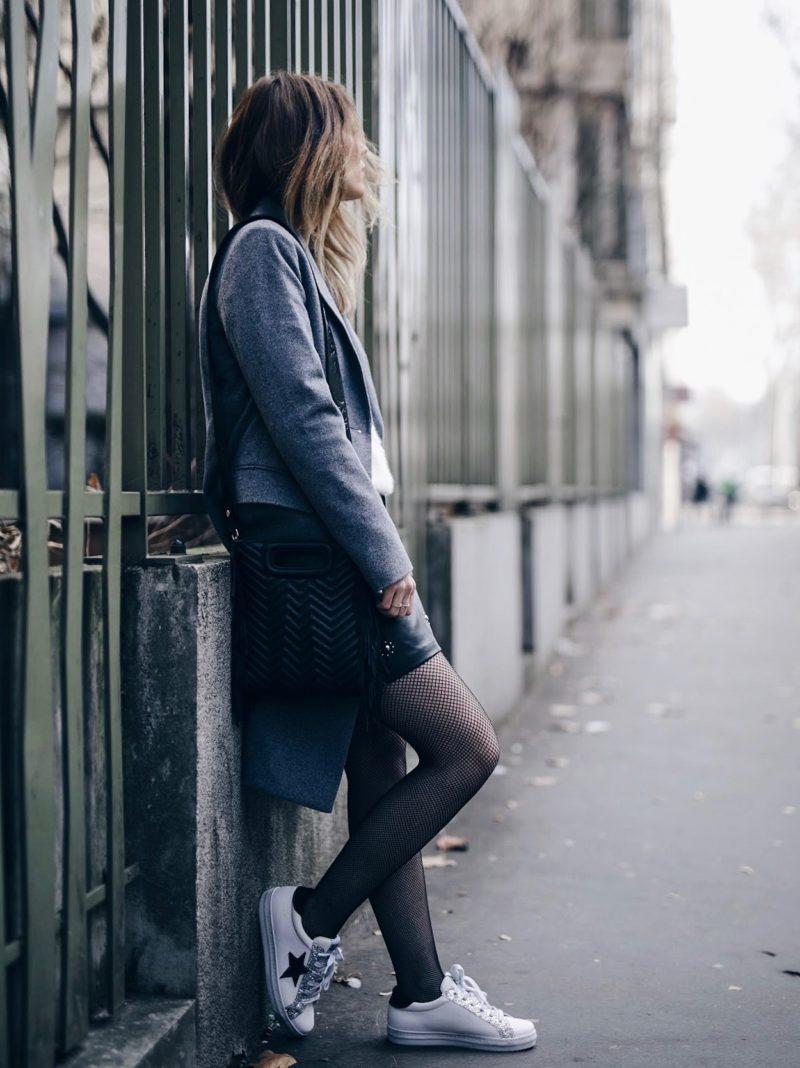 look jupe en simili pull dos nu baskets manteau