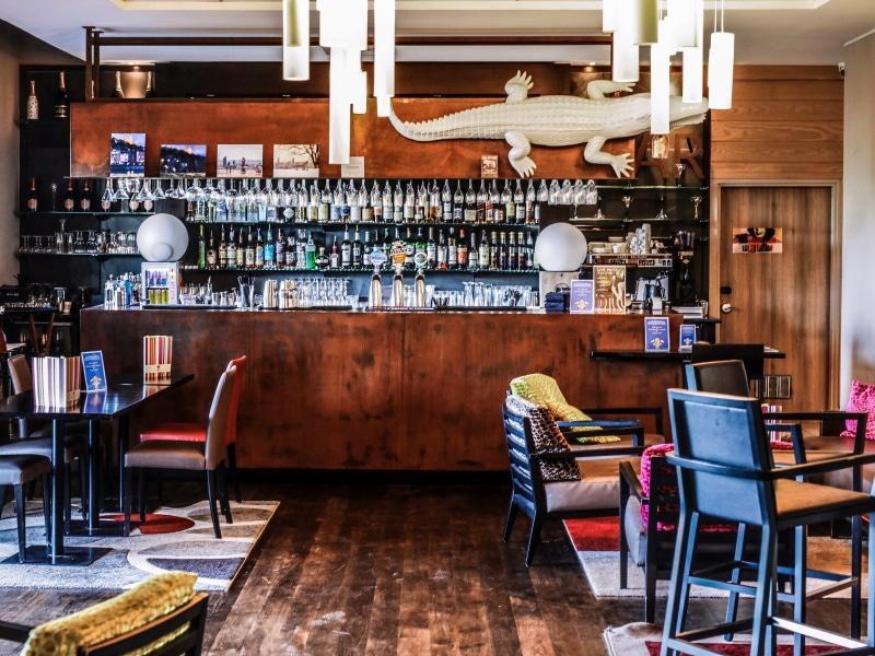 Hotel Golden Tulip Lyon blog By Opaline bar le verre à soie