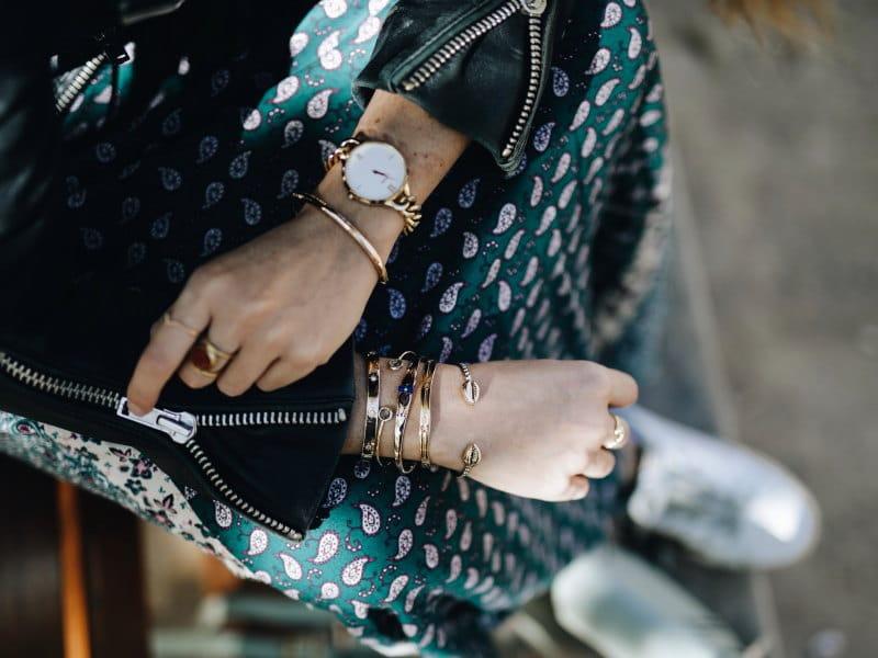 Look robe longue bohème bijoux