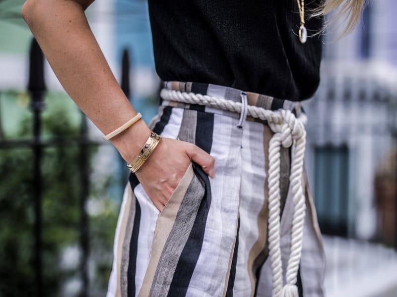 Look short taille haute mews londoniennes kensington détail bracelets