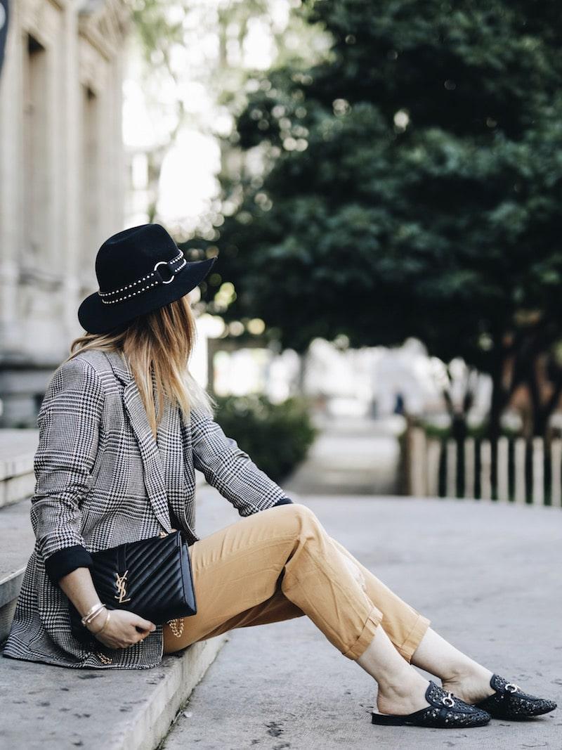 Idée look automne 2018 veste à carreaux combinaison et sac Yves Saint Laurent
