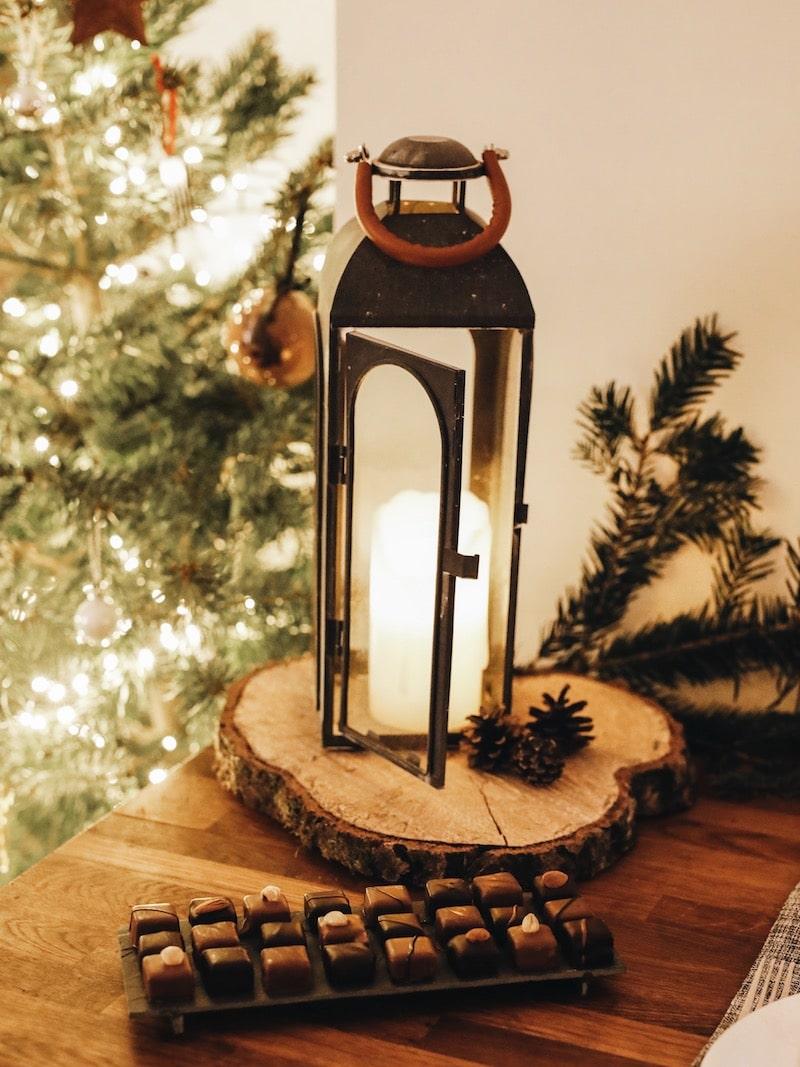 Repas de noël entre amies avec Toupargel blog lifestyle Lyon By Opaline lanterne chocolat