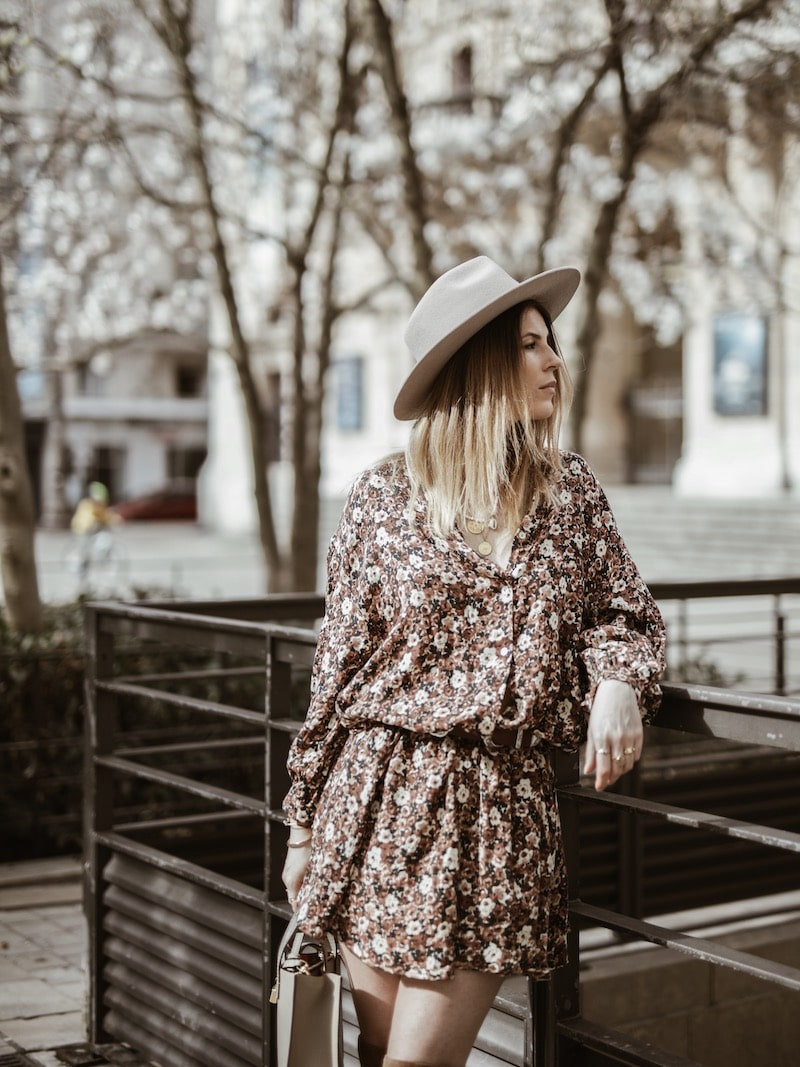 Look femme robe fleurie American Vintage blog mode Lyon By Opaline