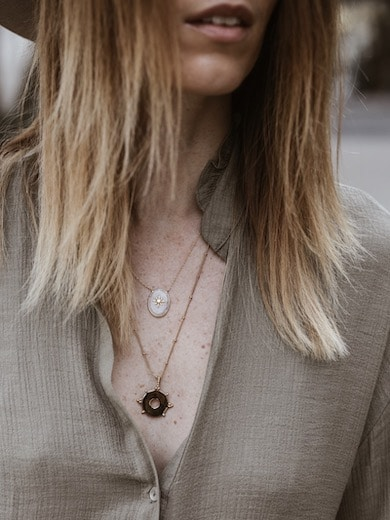 Look femme robe ample colliers Perles d'Au blog mode France Lyon By Opaline