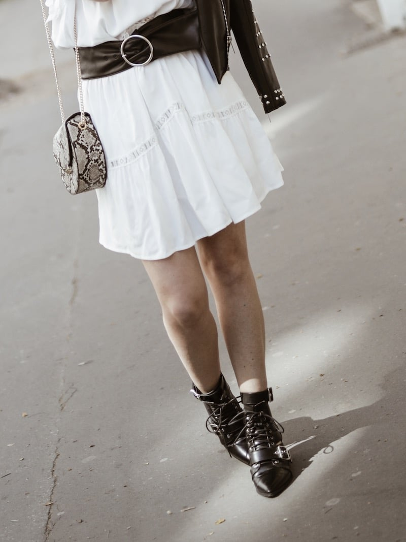 Look femme rock printemps robe blanche ceinture large blog mode Lyon France By Opaline