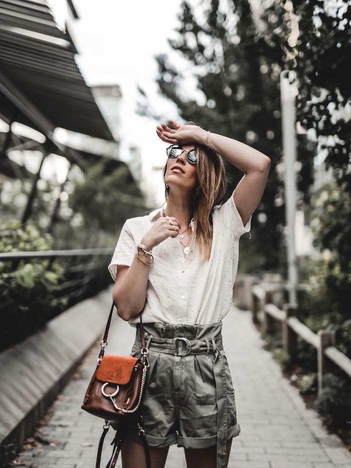 Look femme inspiration été 2019 short taille haute kaki sangle Zara blog mode Lyon Paris France By Opaline
