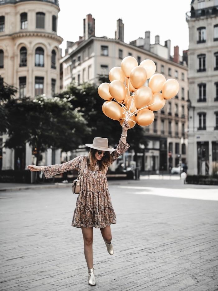 30 ans un cap à passer - Mon anniversaire place des Jacobins ballons or blog mode Lyon France By Opaline