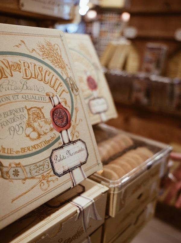 Voyage Normandie La maison du biscuit palets normands blog Lyon France By Opaline