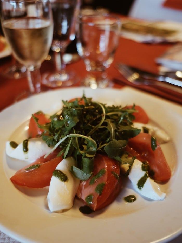 SéjoTomate mozzarella restaurant l'Atrium blog voyage By Opaline Lyon France